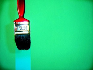Cómo limpiar la pintura de rodillos y pinceles